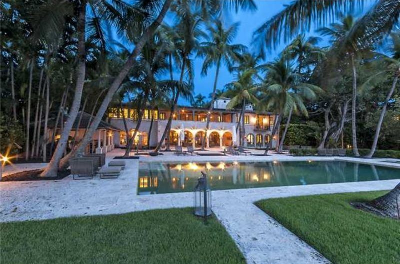 Phil Collins Buys J-Lo's Former Beachside Estate