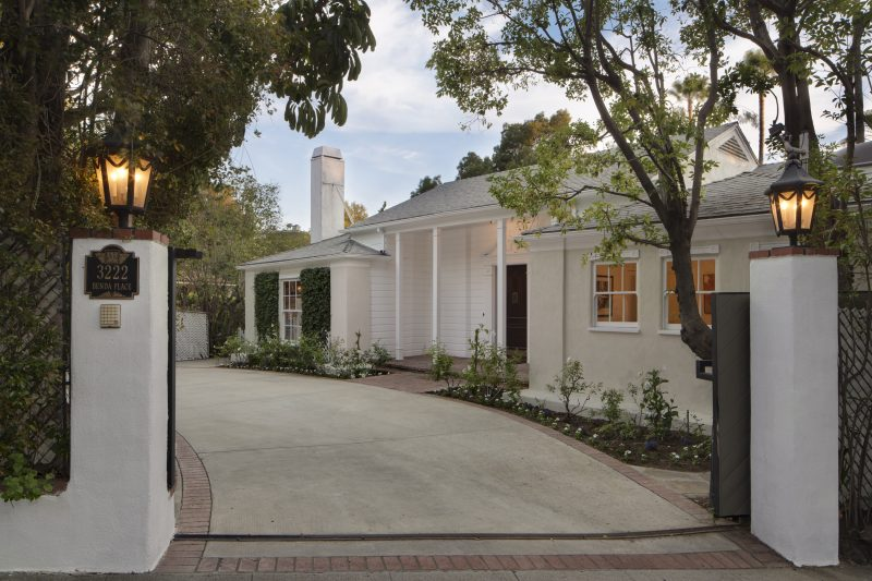 Marlon brando home for sale for Stars houses in la