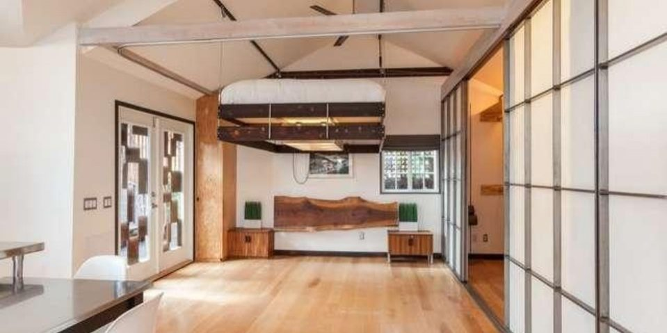Tiny Home of Mad Men's Vincent Kartheiser Bed Partially Elevated