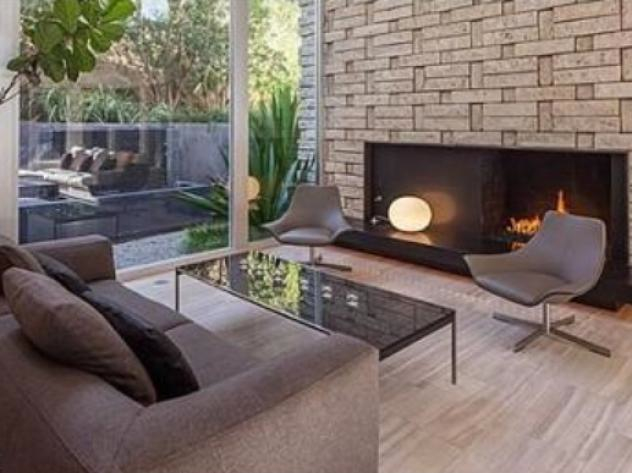 Fireplace: Will A-Rod sell the house he bought from Meryl Streep?