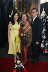 DESIGNER SUE WONG (CENTER) WITH MRS. & DOCTOR SUN OF MD SUN SKIN CARE  kicking off Oscar gifting season