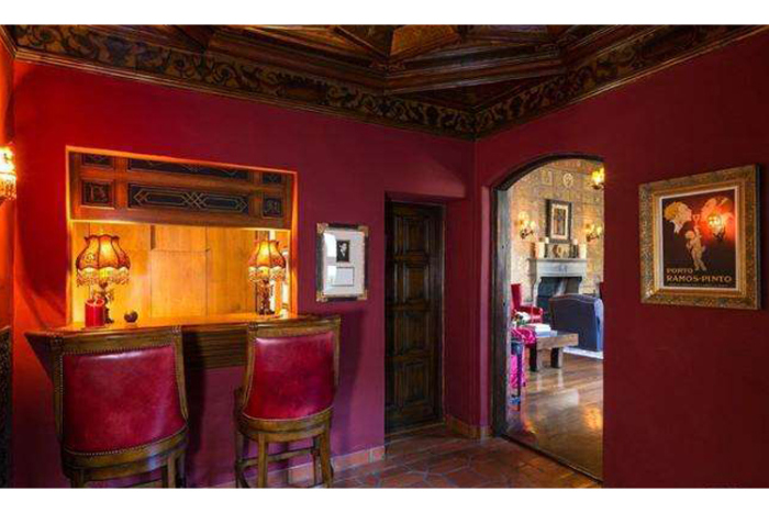 Melanie Griffith and Antonio Banderas Sell House 6