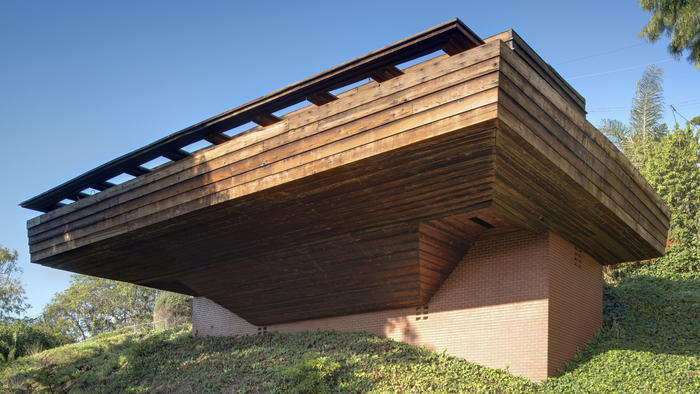 Frank Lloyd Wright Auction -- Sturges House Plus Remarkable Modern Art deck 2