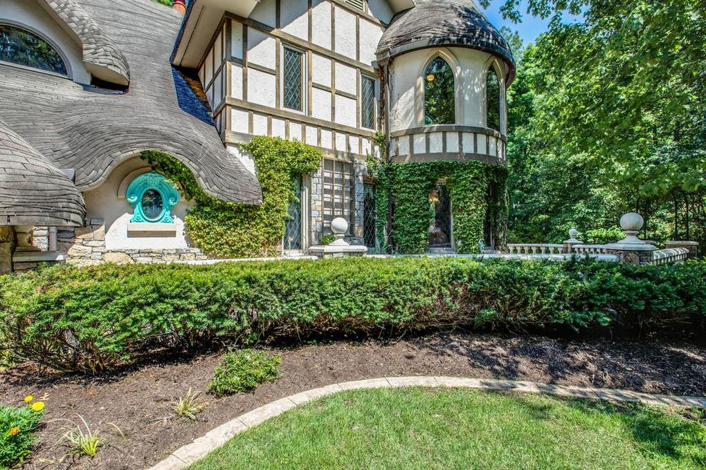 Leon Russell's storybook house