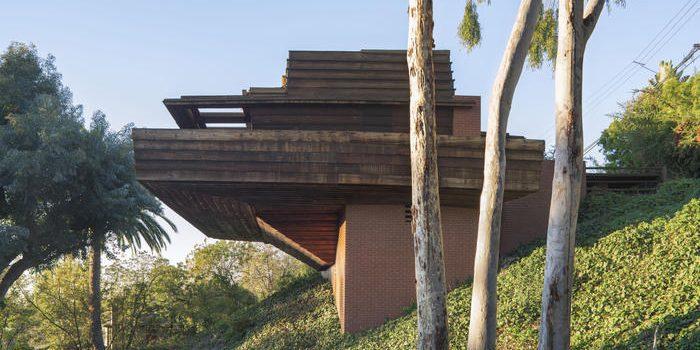 Frank Lloyd Wright Auction -- Sturges House Plus Remarkable Modern Art 4