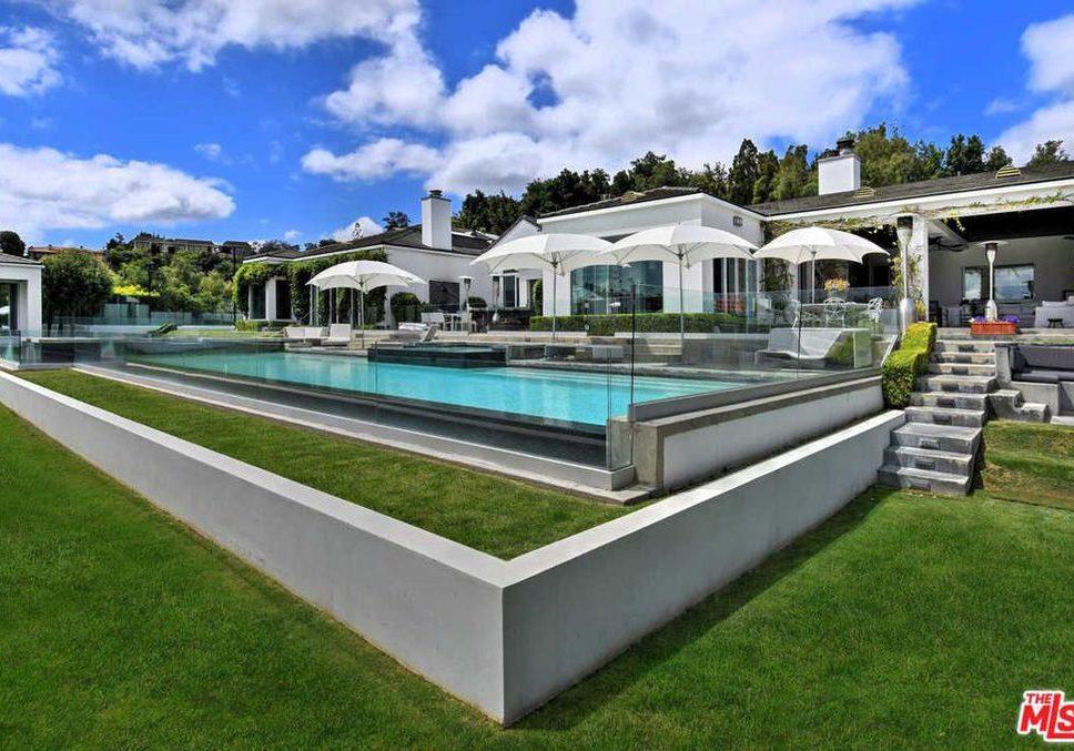 Gwen Stefani mansion
