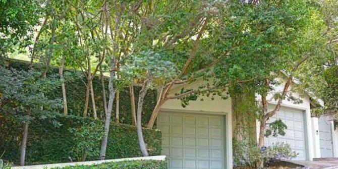 sandra bullock rents house
